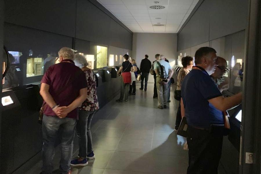 visitantes museo sala dioaramas Congreso Nacional