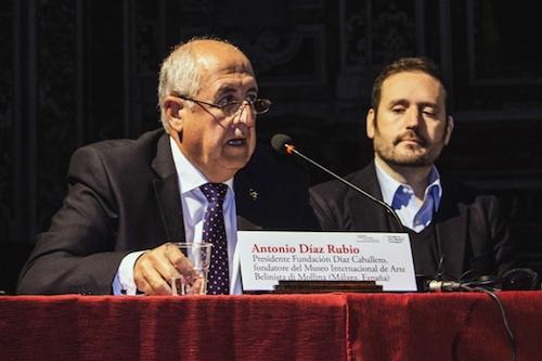 Antonio Díaz ponencia congreso Nápoles